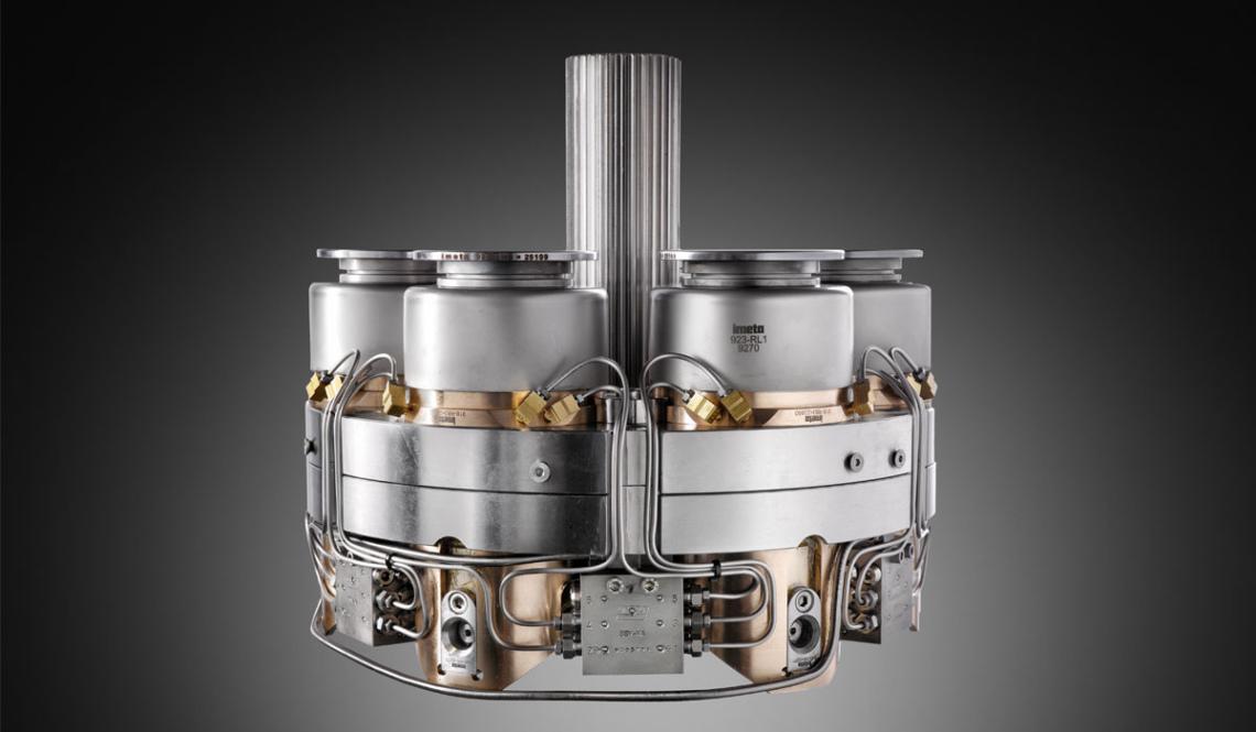 Lubrificazione centralizzata - La trasformazione può essere equipaggiata con un sistema di Lubrificazione Centralizzato che riduce drasticamente il tempo di ingrassaggio di tutti i pistoni inferiori.